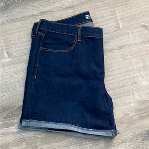 NWOT Old Navy Jean shorts size 16
